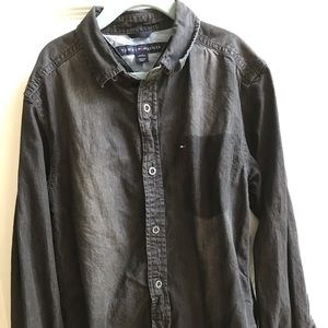 TOMMY HILFIGER BUTTON DOWN! Worn once! Size 8/10!
